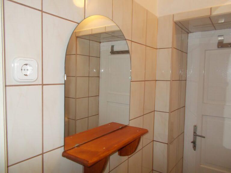 Cserépkályhás szoba fürdő